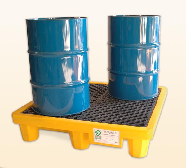 UltraTech 0676 Ultra-Spill Pallet Ramp, 8-3/4 in H X 55-1/2 in L X 28-1/2 in W, Polyethylene, Black